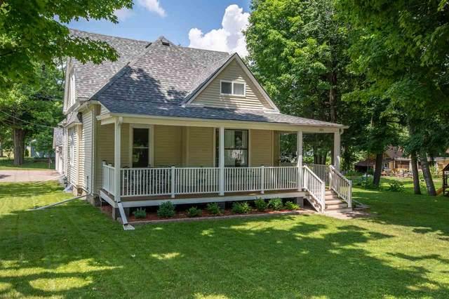 505 S Mill Street, Weyauwega, WI 54983 (#50224956) :: Todd Wiese Homeselling System, Inc.