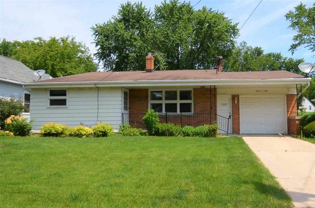 1209 Garland Street, Green Bay, WI 54301 (#50224990) :: Todd Wiese Homeselling System, Inc.