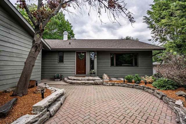 405 Buchanan Road, Combined Locks, WI 54113 (#50225081) :: Todd Wiese Homeselling System, Inc.