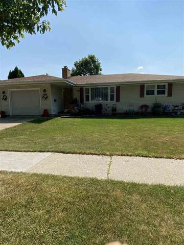 208 N Lark Street, Oshkosh, WI 54902 (#50225102) :: Dallaire Realty
