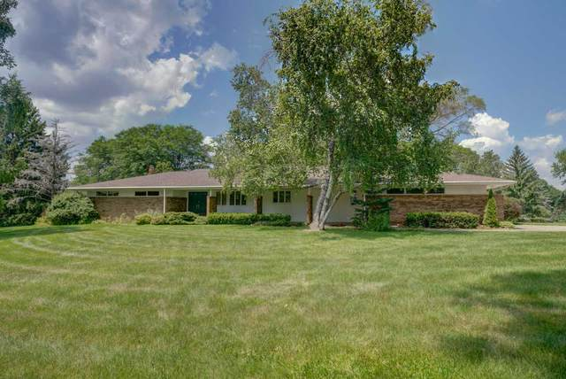 6693 Chestnut Circle, WINDSOR, WI 53598 (#50225109) :: Carolyn Stark Real Estate Team