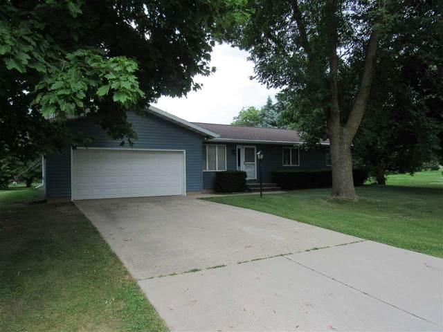 318 Sacramento Street, Berlin, WI 54923 (#50225121) :: Todd Wiese Homeselling System, Inc.