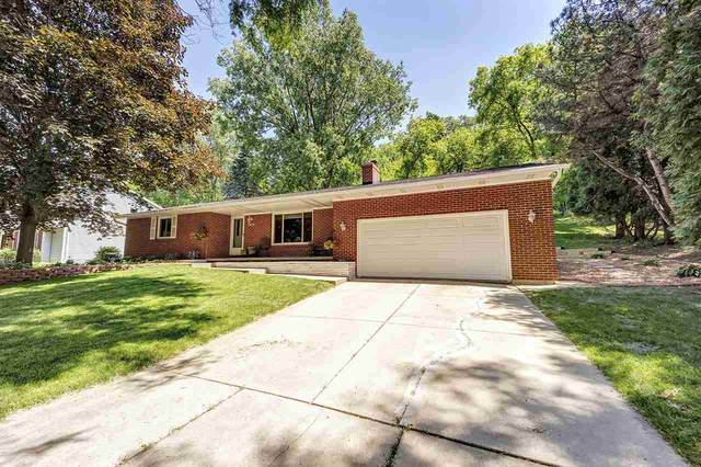 2414 Deer Trail, Green Bay, WI 54302 (#50225130) :: Todd Wiese Homeselling System, Inc.