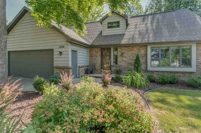 3224 S White Birch Lane, Appleton, WI 54915 (#50225136) :: Todd Wiese Homeselling System, Inc.