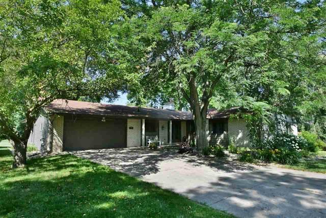N7703 Palisades Trail, Sherwood, WI 54169 (#50225158) :: Todd Wiese Homeselling System, Inc.