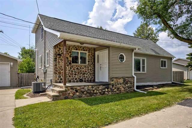 2601 E Newberry Street, Appleton, WI 54915 (#50225167) :: Dallaire Realty
