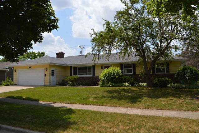 1525 N Eugene Street, Appleton, WI 54914 (#50225231) :: Dallaire Realty