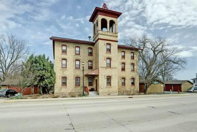 251 E Main Street #202, Omro, WI 54963 (#50225350) :: Ben Bartolazzi Real Estate Inc