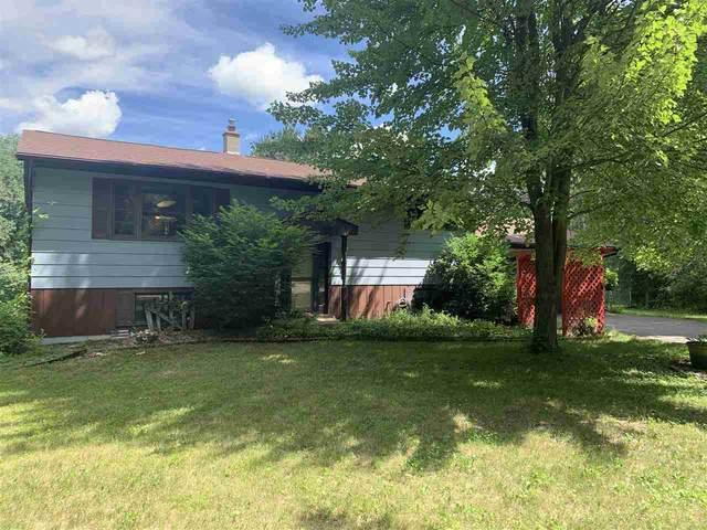 E2250 Conifer Drive, Waupaca, WI 54981 (#50225390) :: Symes Realty, LLC
