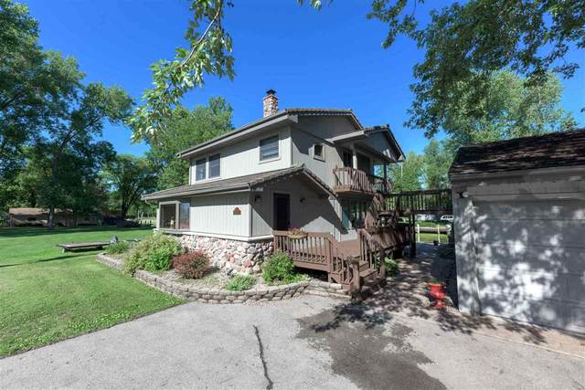 6820 Sunset Trail, Winneconne, WI 54986 (#50225675) :: Carolyn Stark Real Estate Team