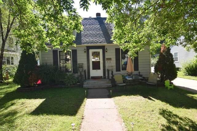 180 Garfield Avenue, Clintonville, WI 54929 (#50225704) :: Ben Bartolazzi Real Estate Inc