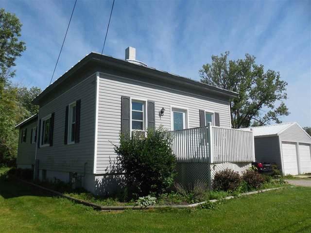 5686 Elm Avenue, Oconto, WI 54153 (#50225733) :: Ben Bartolazzi Real Estate Inc