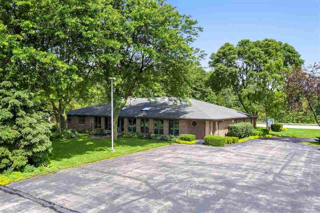 2330 Meadow Park Drive, Green Bay, WI 54311 (#50225739) :: Dallaire Realty