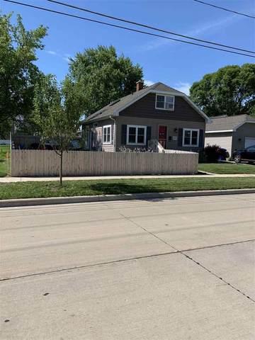 105 E Mckinley Avenue, Little Chute, WI 54140 (#50225861) :: Dallaire Realty