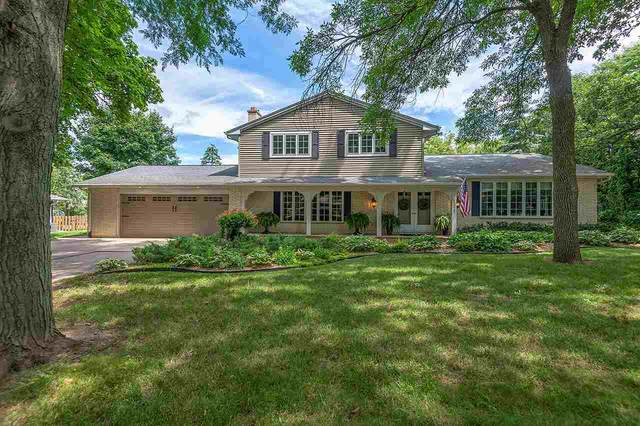 1329 S Summer Range Road, De Pere, WI 54115 (#50225869) :: Todd Wiese Homeselling System, Inc.