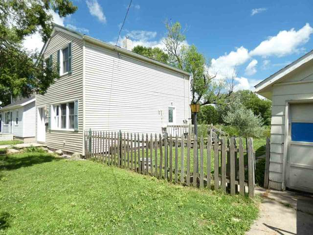 1421 Bismarck Street, Green Bay, WI 54301 (#50225977) :: Symes Realty, LLC