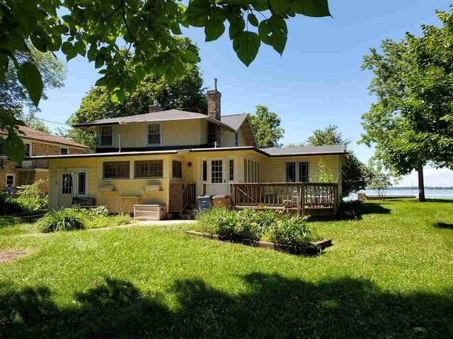 2898 Oakwood Lane, Oshkosh, WI 54904 (#50226032) :: Ben Bartolazzi Real Estate Inc