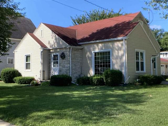 221 N Lafayette Street, Shawano, WI 54166 (#50226072) :: Ben Bartolazzi Real Estate Inc