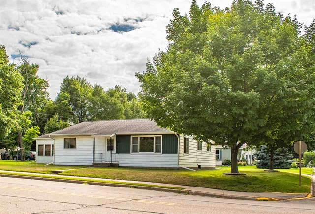 301 S Pine Street, Weyauwega, WI 54983 (#50226136) :: Symes Realty, LLC