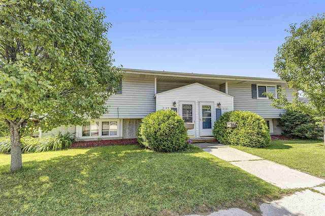 2729 10TH Street, Two Rivers, WI 54124 (#50226163) :: Todd Wiese Homeselling System, Inc.
