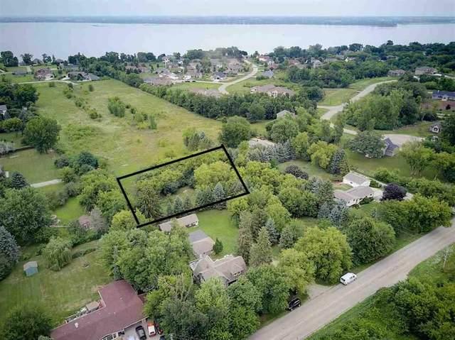 Leonard Point Road, Oshkosh, WI 54904 (#50226217) :: Ben Bartolazzi Real Estate Inc