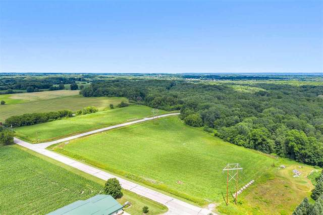 3776 N Overland Road, Oneida, WI 54155 (#50226231) :: Dallaire Realty