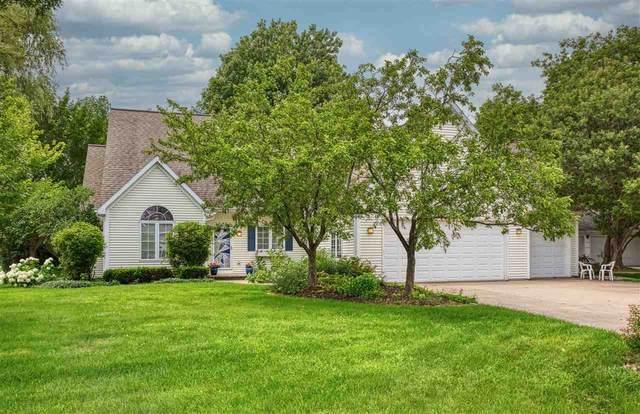 3321 N Shawnee Lane, Appleton, WI 54914 (#50226523) :: Symes Realty, LLC