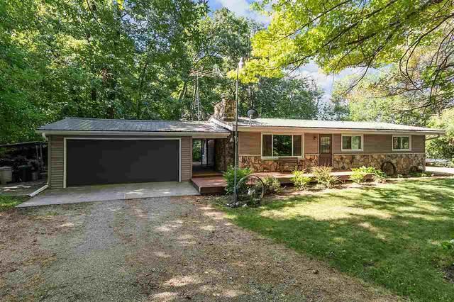 2104 Springbrook Road, Omro, WI 54963 (#50226551) :: Ben Bartolazzi Real Estate Inc