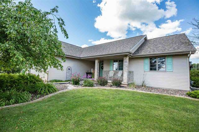 W7026 Angel Hill Drive, Greenville, WI 54942 (#50226562) :: Dallaire Realty