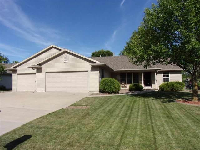 1131 Harold Drive, Menasha, WI 54952 (#50226609) :: Ben Bartolazzi Real Estate Inc
