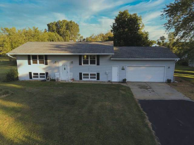 1895 Wildwood Drive, Suamico, WI 54173 (#50226622) :: Symes Realty, LLC