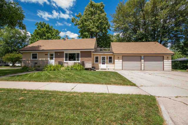 960 8TH Street, Menasha, WI 54952 (#50226651) :: Dallaire Realty
