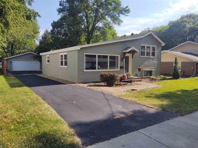 713 W 8TH Street, Kaukauna, WI 54130 (#50226747) :: Ben Bartolazzi Real Estate Inc