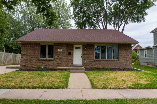329 2ND Street, Menasha, WI 54952 (#50226796) :: Dallaire Realty