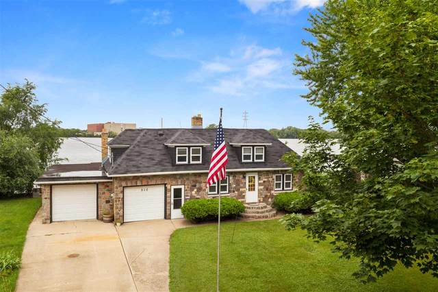 510 W North Water Street, Neenah, WI 54956 (#50226798) :: Dallaire Realty