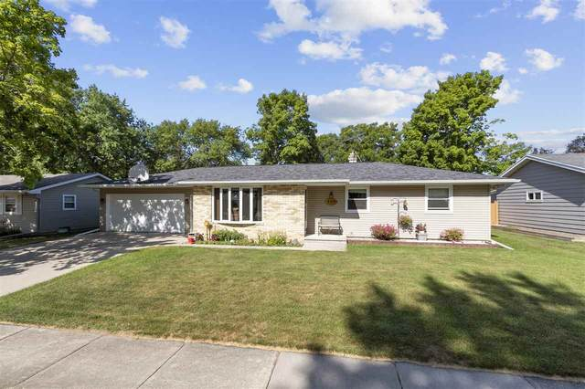 2113 Sullivan Avenue, Kaukauna, WI 54130 (#50226815) :: Ben Bartolazzi Real Estate Inc