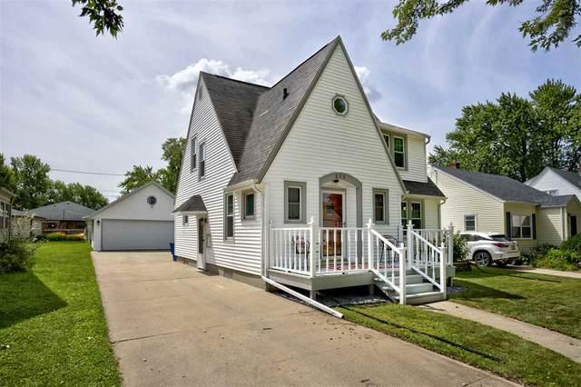 235 Edgewater Drive, Menasha, WI 54952 (#50226891) :: Ben Bartolazzi Real Estate Inc