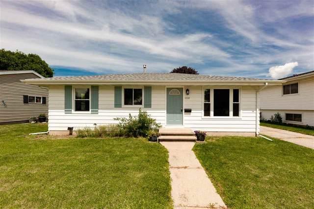 1710 Crystal Springs Avenue, Oshkosh, WI 54902 (#50226998) :: Ben Bartolazzi Real Estate Inc