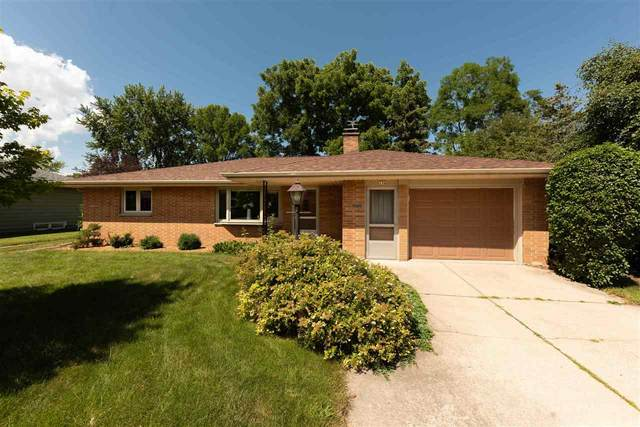 136 W 25TH Avenue, Oshkosh, WI 54902 (#50227002) :: Symes Realty, LLC