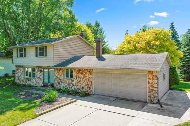 2128 Rebecca Court, Green Bay, WI 54311 (#50227159) :: Carolyn Stark Real Estate Team