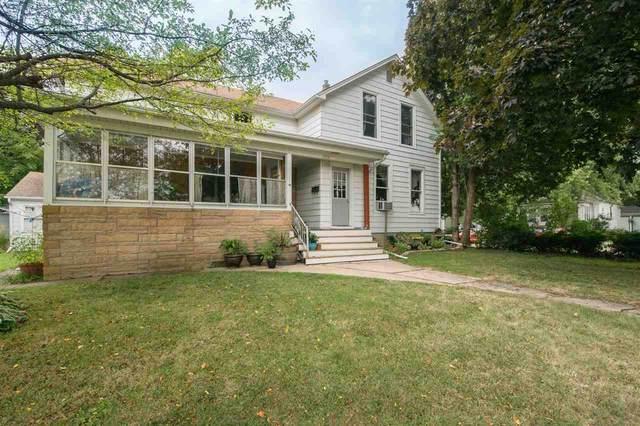 1519 Elmwood Avenue, Oshkosh, WI 54901 (#50227171) :: Todd Wiese Homeselling System, Inc.