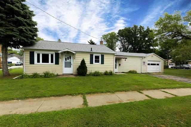 2034 Minerva Street, Oshkosh, WI 54901 (#50227183) :: Todd Wiese Homeselling System, Inc.