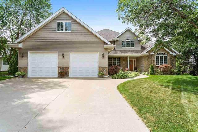 1395 Candlelight Court, Oshkosh, WI 54904 (#50227229) :: Todd Wiese Homeselling System, Inc.
