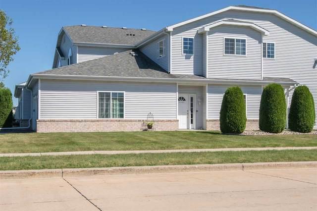 3140 White Tail Lane A, Oshkosh, WI 54904 (#50227257) :: Todd Wiese Homeselling System, Inc.