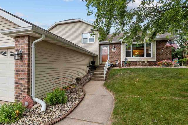280 Greenfield Trail, Oshkosh, WI 54904 (#50227291) :: Todd Wiese Homeselling System, Inc.