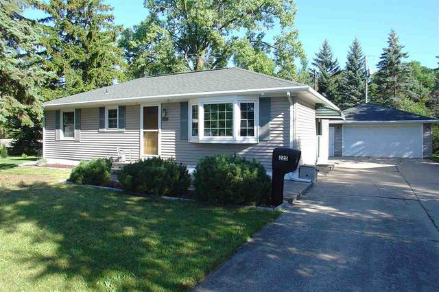 225 Meade Street, Neenah, WI 54956 (#50227307) :: Ben Bartolazzi Real Estate Inc