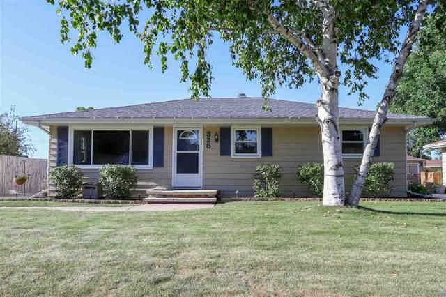 325 Brantwood Drive, Neenah, WI 54956 (#50227401) :: Ben Bartolazzi Real Estate Inc