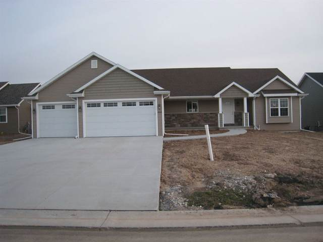 2912 E Blue Topaz Drive, Appleton, WI 54913 (#50227421) :: Todd Wiese Homeselling System, Inc.