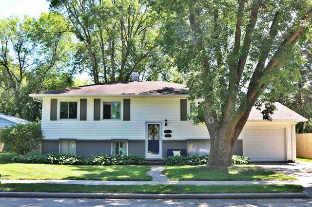 2330 Minerva Street, Oshkosh, WI 54901 (#50227439) :: Ben Bartolazzi Real Estate Inc