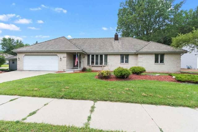 2610 Poplar Springs Circle, Green Bay, WI 54304 (#50227455) :: Ben Bartolazzi Real Estate Inc
